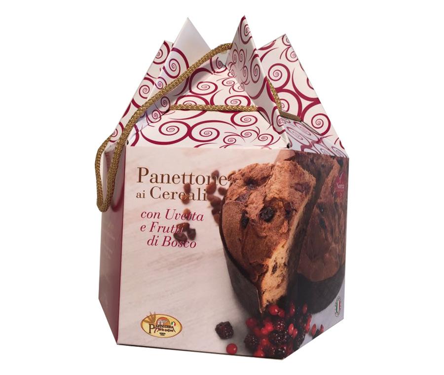 foto panettone-ai cereali-uvetta-e-frutti-di-bosco